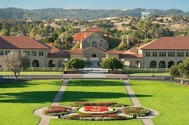 Hầu hết top 400 tỷ phú của Forbes đều xuất thân từ những ngôi trường danh tiếng này: Vị trí số 1 không phải Harvard, Stanford lẫn Yale!  - Ảnh 2.