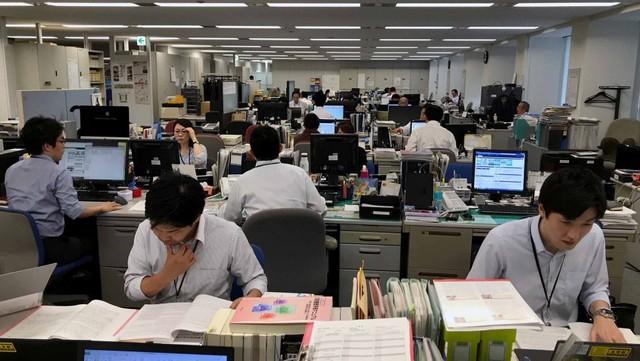 Lao động nhiều hơn có đồng nghĩa với năng suất cao hơn? - Ảnh 2.