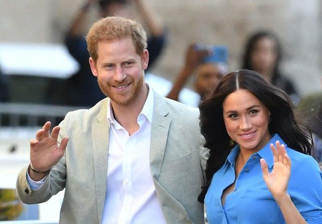 Vợ chồng Hoàng tử Harry - Meghan Markle lên kế hoạch chuẩn bị rời xa Vương quốc Anh mãi mãi? - Ảnh 1.