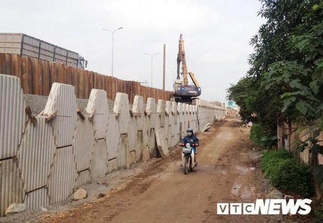 Hà Nội chi tiền tỷ tu bổ sân bãi phục vụ SEA Games 31 tại Việt Nam - Ảnh 2.