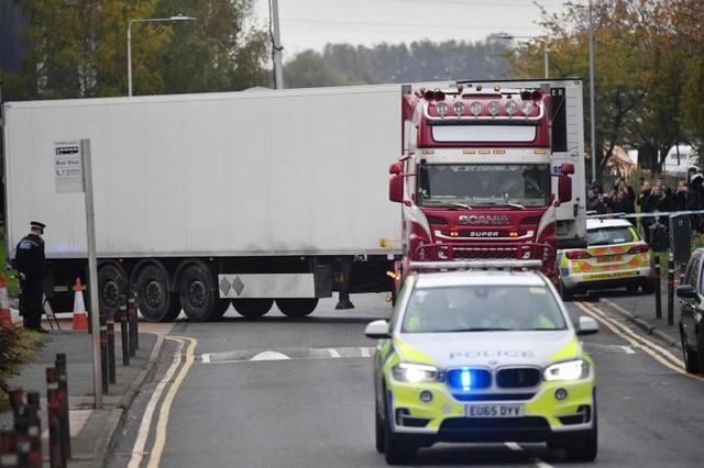 39 thi thể ở Anh: Cảnh sát tìm thấy gì sau 4 ngày điều tra? - Ảnh 4.