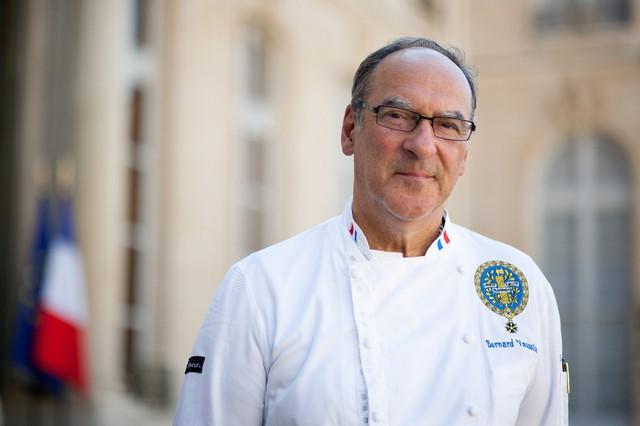 Dành 4 thập kỷ nấu ăn cho các đời Tổng thống Pháp, cựu bếp trưởng điện Élysée tiết lộ thói quen ăn uống khác biệt của những con người quyền lực bậc nhất thế giới  - Ảnh 1.
