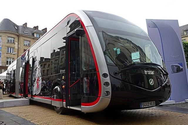 Hà Nội sẽ sử dụng xe buýt điện từ 2021 - Ảnh 1.