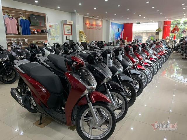 Hiếm hàng, Honda SH loạn giá, tăng đột biến tại Hà Nội - Ảnh 1.