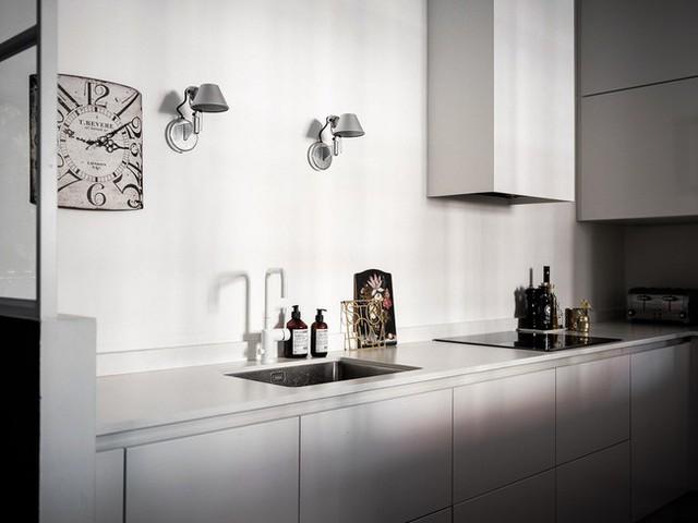 Căn hộ rộng 61m² đẹp bí ẩn, sang trọng nhờ bài trí sắc màu trung tính vô cùng ăn ý - Ảnh 8.