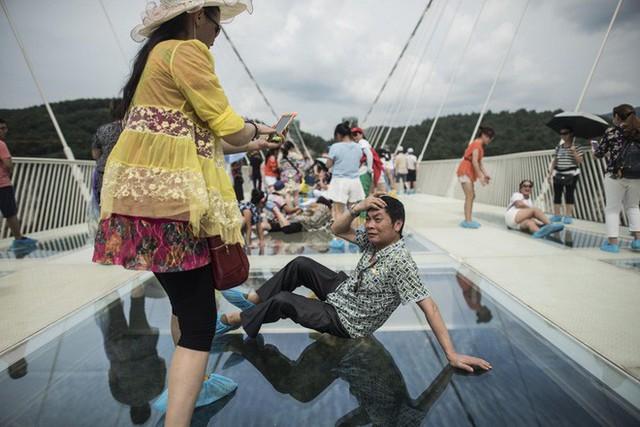 """Nóng: Hơn 32 công trình cầu kính nổi tiếng của Trung Quốc bất ngờ đóng cửa, trong đó có cả """"thiên đường sống ảo"""" Trương Gia Giới - Ảnh 11."""