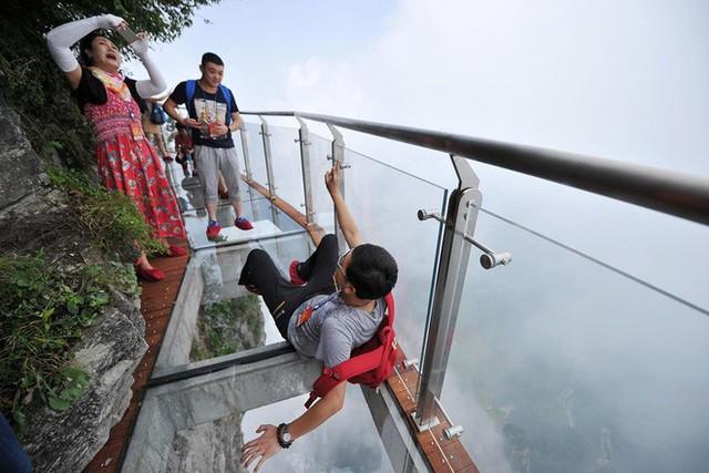 """Nóng: Hơn 32 công trình cầu kính nổi tiếng của Trung Quốc bất ngờ đóng cửa, trong đó có cả """"thiên đường sống ảo"""" Trương Gia Giới - Ảnh 12."""