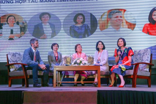 Chủ tịch PNJ Cao Thị Ngọc Dung: Thành công của một doanh nghiệp không chỉ được đo bằng lợi nhuận mà còn bao gồm trách nhiệm với môi trường, xã hội - Ảnh 1.