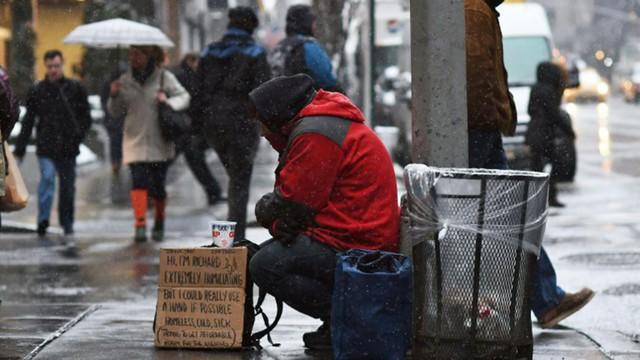 Chân dung người nghèo ở Mỹ: Đáp ứng tiêu chuẩn nào sẽ được coi là người nghèo nhất trong nhóm giàu nhất? - Ảnh 1.