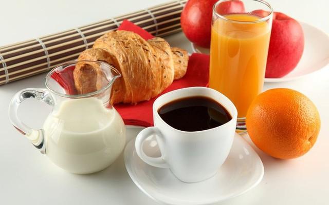 Điều kỳ diệu xảy ra khi thay 1 ly nước nước trái cây bằng 1 ly cà phê  - Ảnh 1.