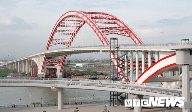 Cận cảnh cây cầu độc đáo hình cánh chim biển sắp thông xe ở Hải Phòng - Ảnh 2.
