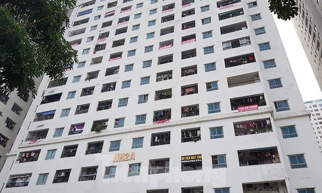 'Làn sóng' băng rôn đòi sổ hồng ở chung cư HH Linh Đàm - Ảnh 3.