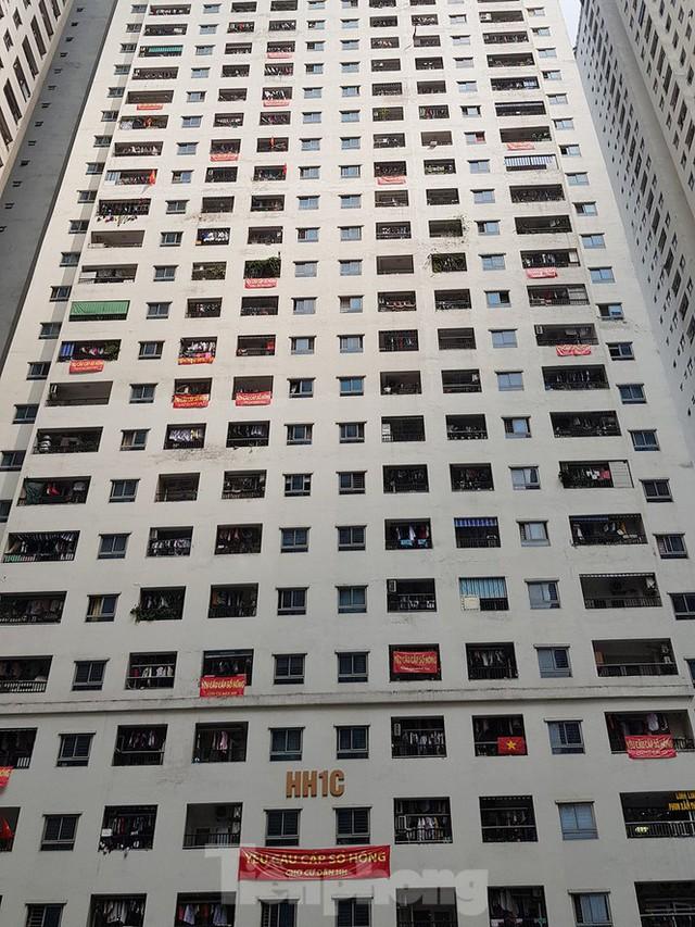 'Làn sóng' băng rôn đòi sổ hồng ở chung cư HH Linh Đàm - Ảnh 6.