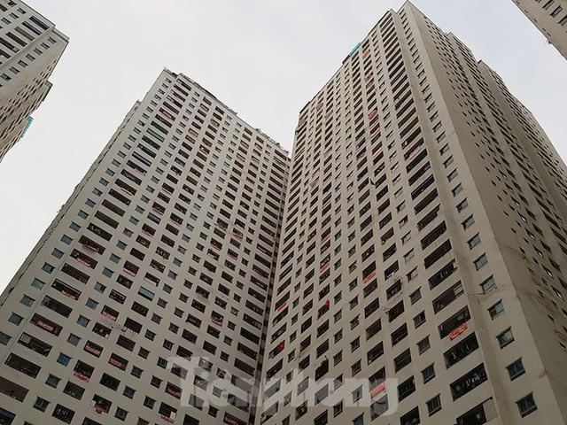 'Làn sóng' băng rôn đòi sổ hồng ở chung cư HH Linh Đàm - Ảnh 9.