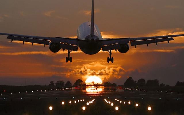 Vinpearl Air, Vietravel Airlines cùng né Tân Sơn Nhất, chọn Nội Bài, Phú Bài làm sân bay căn cứ - Ảnh 1.