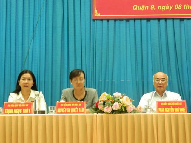 Cử tri đề nghị cho ông Tất Thành Cang thôi nhiệm vụ đại biểu HĐND TPHCM - Ảnh 1.