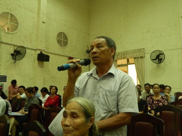 Cử tri đề nghị cho ông Tất Thành Cang thôi nhiệm vụ đại biểu HĐND TPHCM - Ảnh 2.