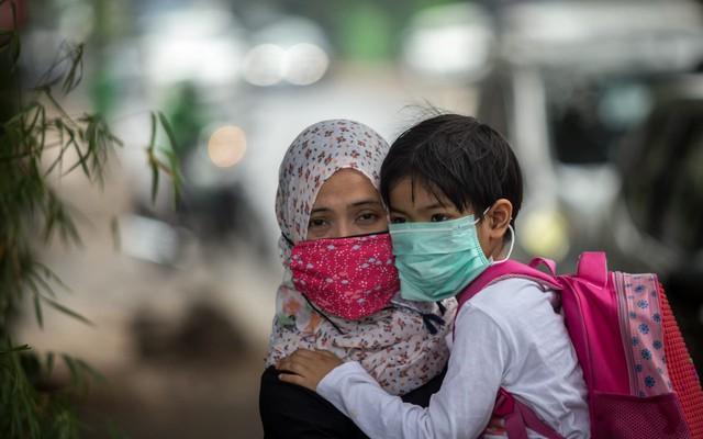 Indonesia: Chịu hậu quả nặng nề về sức khoẻ do ô nhiễm không khí và bụi mịn, người dân quyết nộp đơn kiện chính phủ - Ảnh 3.