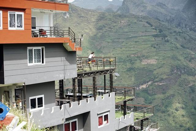 Đề xuất phá dỡ 7 tầng nổi công trình Panorama sai phạm ở đèo Mã Pí Lèng  - Ảnh 2.