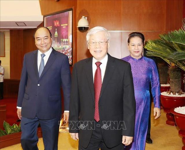 Thủ tướng điều hành phiên họp toàn thể Hội nghị Trung ương về kinh tế - xã hội  - Ảnh 1.