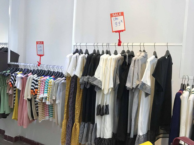 Sự thật về việc giảm giá lên đến 70% tại các cửa hàng thời trang - Ảnh 2.