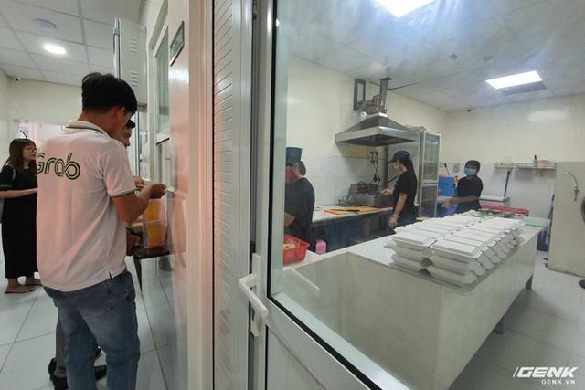 Grab đưa mô hình GrabKitchen về Việt Nam: bếp tập trung thời 4.0, rút ngắn thời gian shipper đi mua và giao - Ảnh 5.