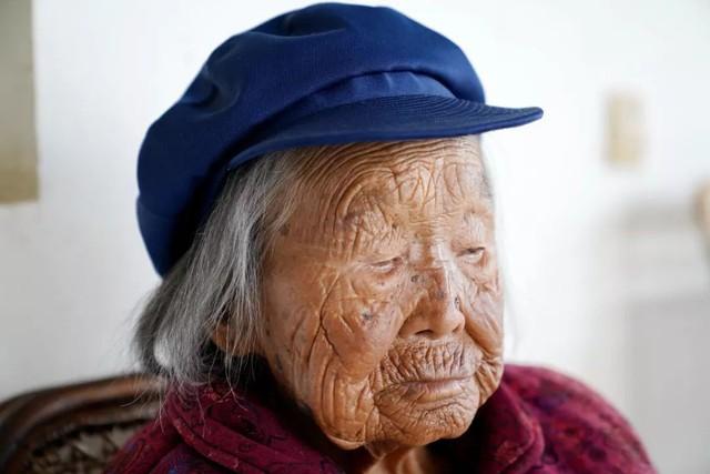 Cụ bà 107 tuổi, chỉ phải đi viện 2 lần trong đời tiết lộ bí quyết sống khỏe nhờ ăn loại quả này mỗi ngày - Ảnh 5.