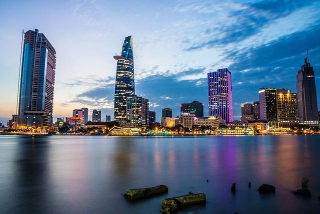 Nét đặc sắc của TP HCM khiến New York Times dành hẳn bài viết dài để giới thiệu chốn ăn chơi, không tiếc lời khen là thành phố sức sống nhất Việt Nam - Ảnh 1.
