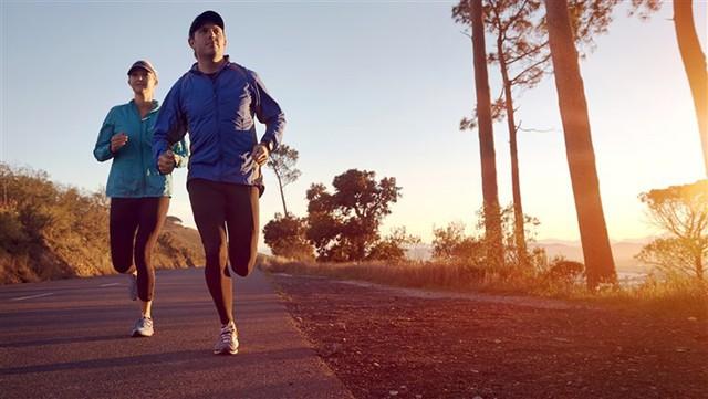 Các nghiên cứu đã chỉ ra, tập thể dục trước ăn sáng có thể đốt cháy tối đa lượng mỡ thừa vì lý do này - Ảnh 1.
