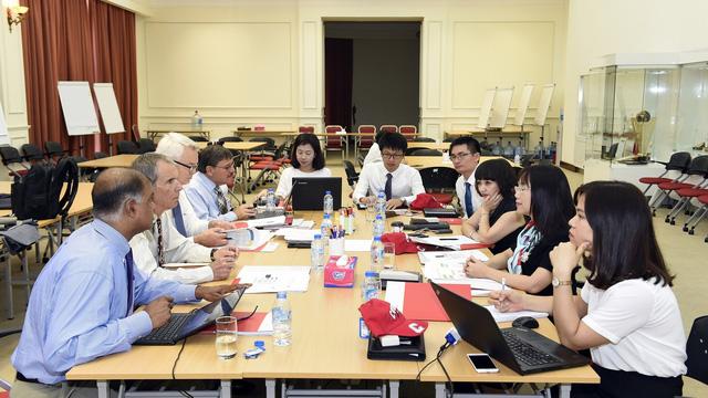 VinUni lần đầu công bố mức học phí 35.000 - 40.000 USD, giảm 35% cho tất cả sinh viên trong 5 niên khóa đầu tiên: Điều kiện bắt buộc phải có tiềm năng học tiếng Anh - Ảnh 1.