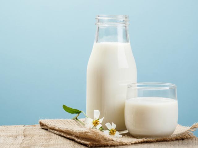 Chuyên gia cảnh báo: Những hiểu lầm khi uống sữa đang phá hủy sức khỏe của con người - Ảnh 2.