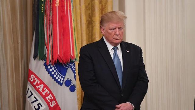"""Đảng Cộng hòa đang """"đuối lý"""" trước cơn bão luận tội Tổng thống Trump? - Ảnh 1."""