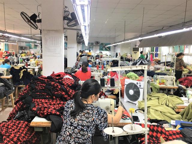 Sau bê bối cắt mác Trung Quốc gắn mác Việt, cửa hàng SEVEN.am Hà Nội đóng cửa im lìm - Ảnh 9.