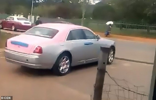 Phẫn nộ khi vua mua dàn xe sang tặng 14 bà vợ  - Ảnh 2.