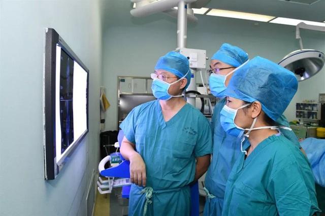 2 chị em ruột tự phát hiện ung thư vú nhờ 1 việc đơn giản, đến bác sĩ cũng phải khen ngợi và khuyên mọi người học theo - Ảnh 4.