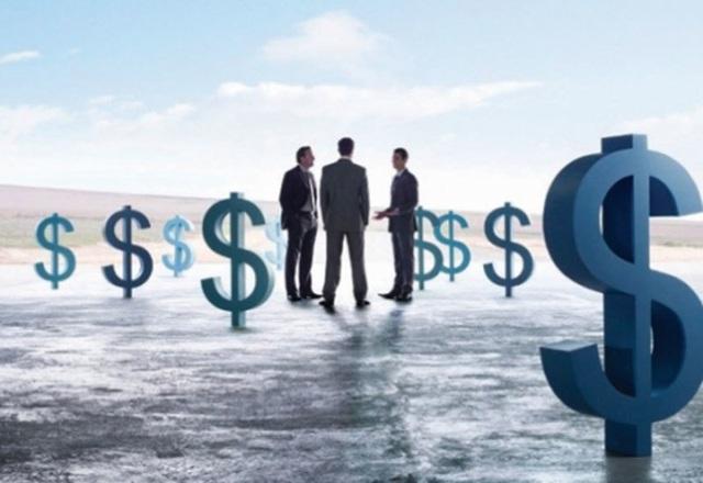Sau thập kỷ chờ đợi, khối tiền tỷ USD dồn dập đổ vào ngân hàng Việt - Ảnh 2.