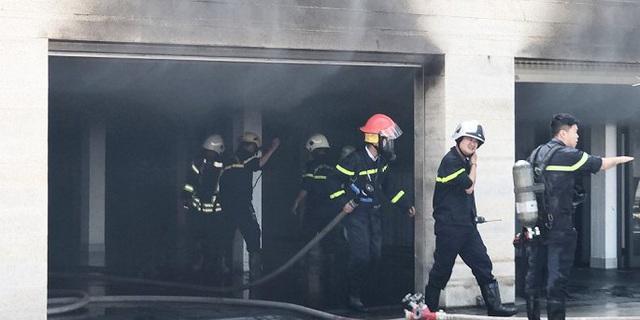 Khói lửa ngùn ngụt bao trùm căn biệt thự rộng 500m2 tại Đà Nẵng - Ảnh 1.