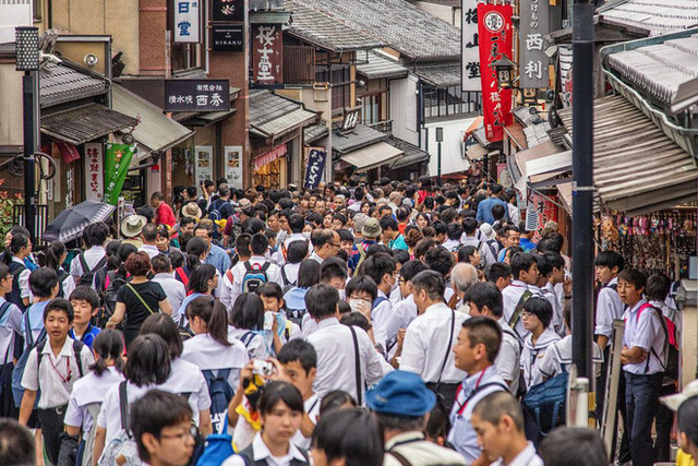 Otaku nổi tiếng Thụy Điển vỡ mộng khi đến đất nước mặt trời mọc, chỉ ra 5 lý do không nên sống ở Nhật Bản - Ảnh 6.