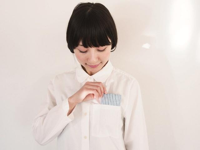 Tình yêu vô hạn của người Nhật với những chiếc khăn tay: Đàn ông cũng phải mang ít nhất 3 chiếc, một lau tay, một lau miệng, một để lau nước mắt  - Ảnh 2.