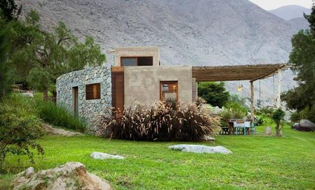 Nhà gỗ đất sét ngoài nhìn đơn giản trong có vẻ đẹp gây nghiện - Ảnh 2.