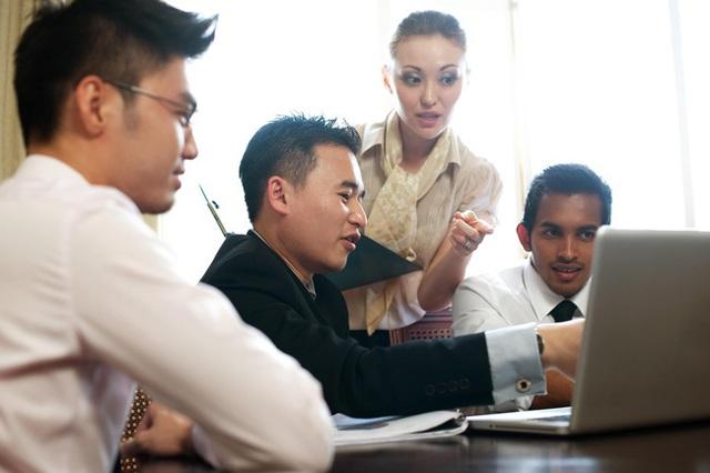 Triết lý 5 con khỉ và bài học về sự nỗ lực không ngừng chốn công sở, sếp kể xong nhân viên vỗ tay rầm rầm vì quá đúng! - Ảnh 1.