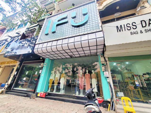 IFU đóng loạt cửa hàng giữa tâm bão âm thầm tráo nhãn mác quần áo - Ảnh 3.