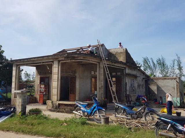 Quảng Ngãi thiệt hại 367 tỉ đồng do bão số 5 - Ảnh 1.