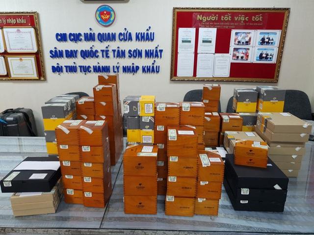 Bắt lượng xì gà cực lớn buôn lậu qua sân bay Tân Sơn Nhất - Ảnh 1.
