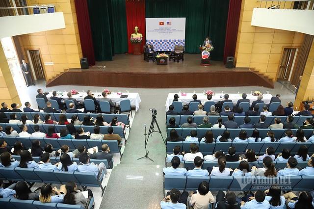 Bộ trưởng Quốc phòng Mỹ dẫn chuyện Hai Bà Trưng, ngưỡng mộ tinh thần tự cường Việt Nam - Ảnh 2.