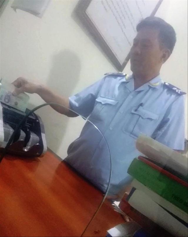 Làm luật ở cửa khẩu quốc tế Tây Trang - Ảnh 2.