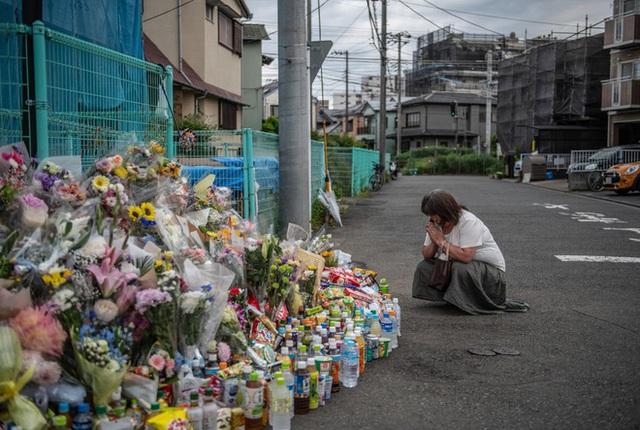 Hiện trường vụ đâm người hàng loạt tại Kawasaki