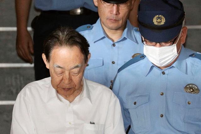 Hideaki Kumazawa, cụ ông 76 tuổi tự tay giết con trai có biểu hiện Hikikomori của mình