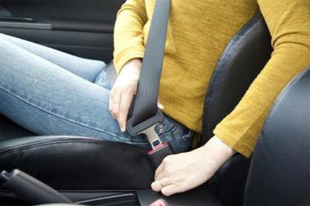 Những kỹ năng lái xe cần thiết cho phụ nữ để tránh tai nạn - Ảnh 3.