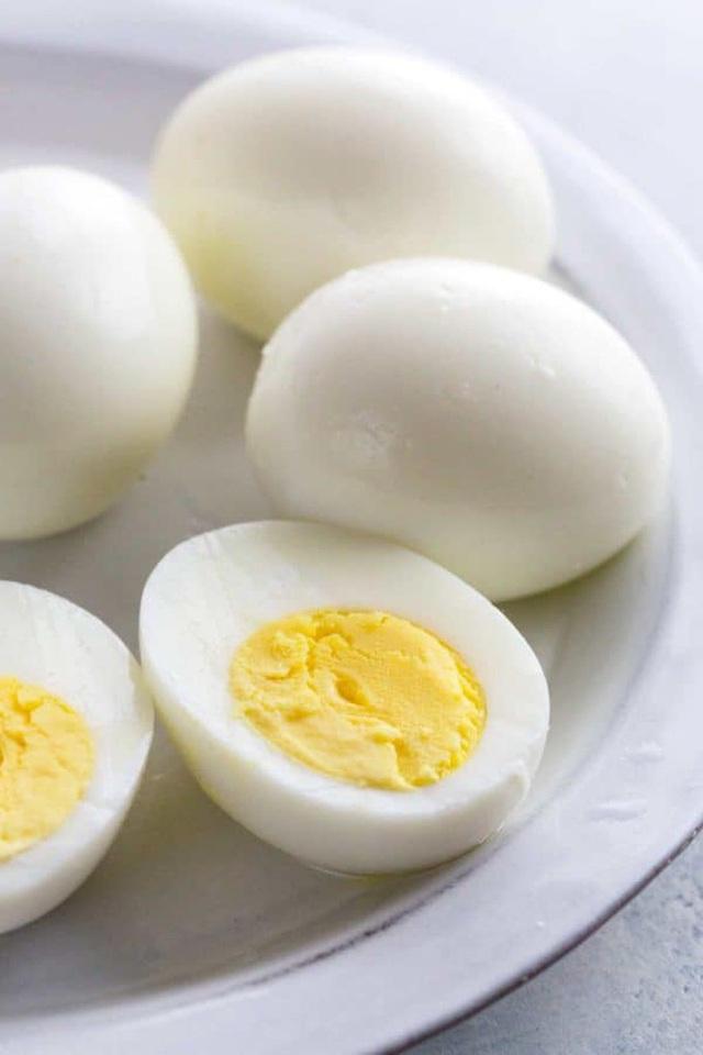 Trứng luộc, trứng chiên, trứng hấp và trứng sống: 2 trong số những cách ăn trứng quen thuộc này dễ ảnh hưởng tiêu cực đến sức khỏe - Ảnh 5.